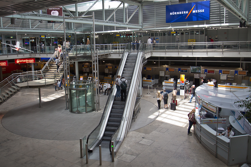 Abflugshalle Flughafen Nürnberg