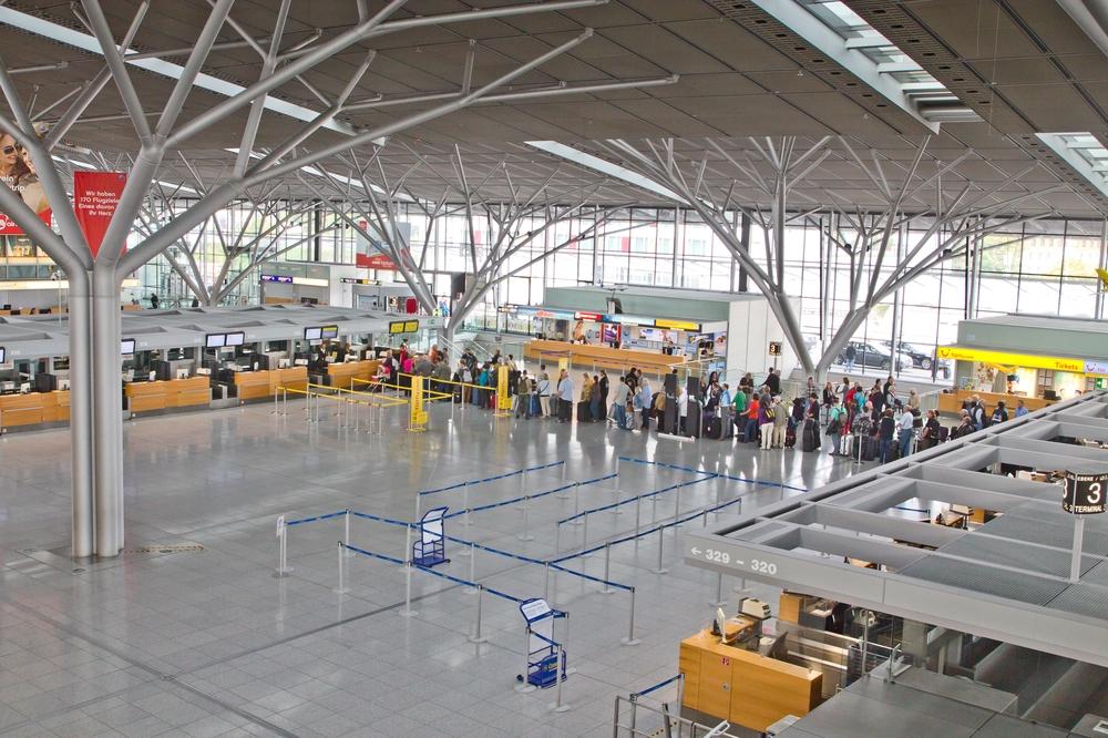Pauschalreise Teneriffa Urlaub Terminal Stuttgart Flughafen