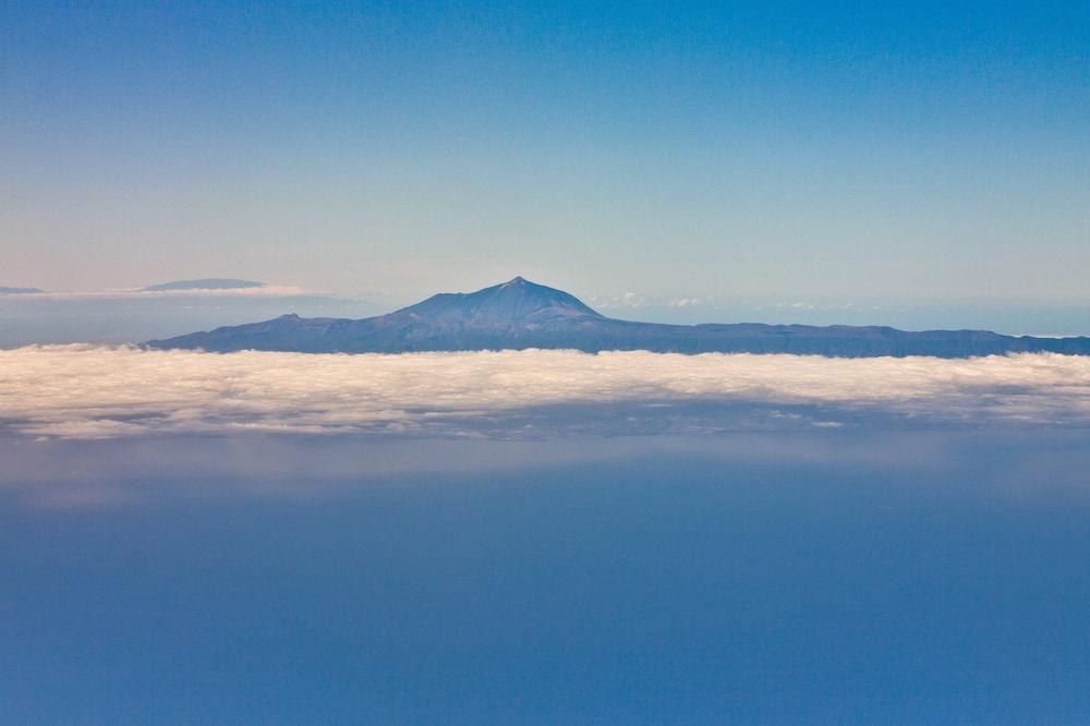 Pauschalreise Teneriffa Urlaub Teide Luftbild Nahaufnahme