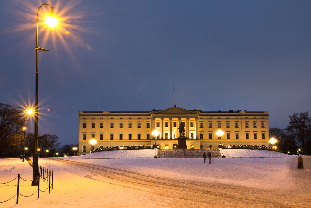 Königliche Schloss in Oslo bei Nacht