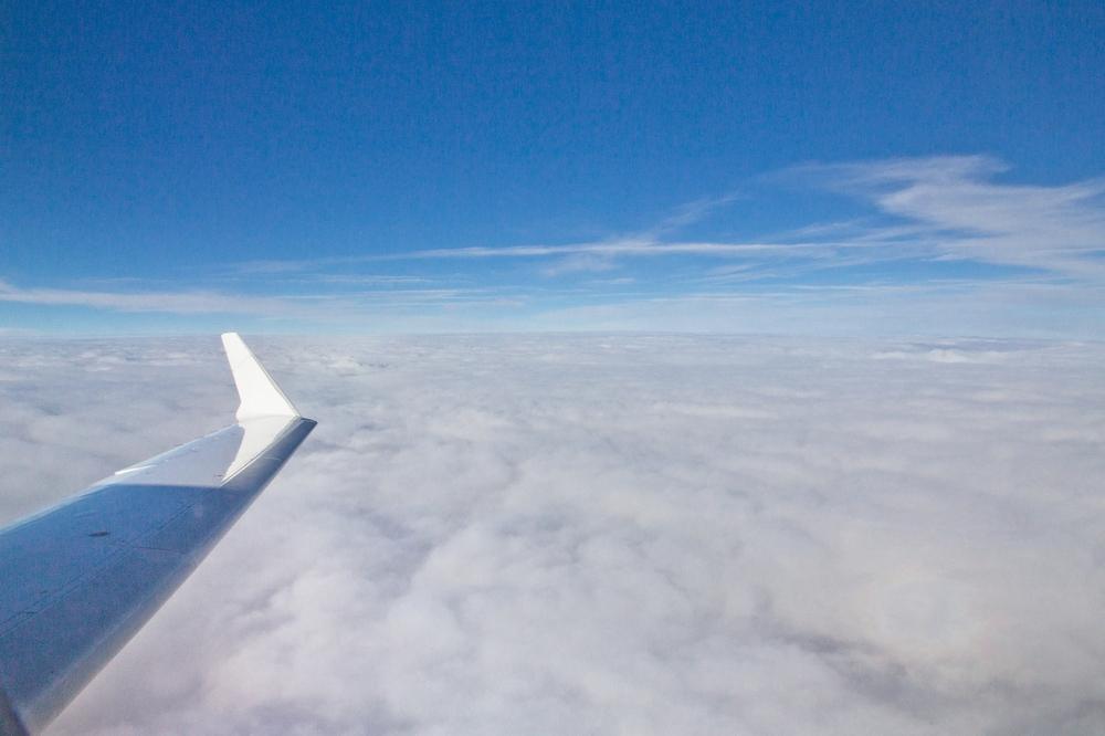 Bombardier CRJ700 Wolken Wingshot