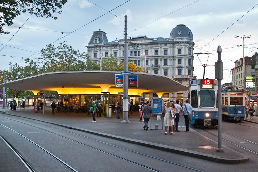 Bellevue Platz Zürich Quaibrücke