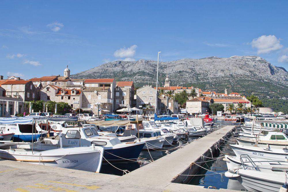 Hafen Korsula Kroatien Kreuzfahrt MS Europa 2