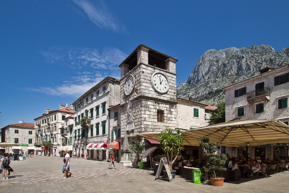 Platz Kotor Montenegro Kreuzfahrt MS Europa 2