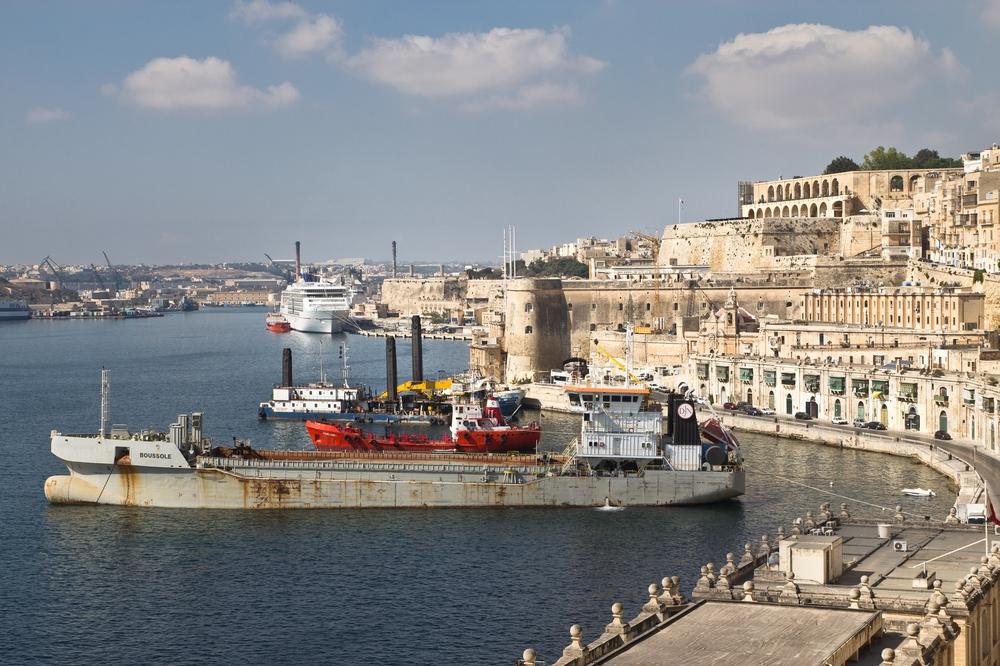 MS Europa 2 Malta Hafen