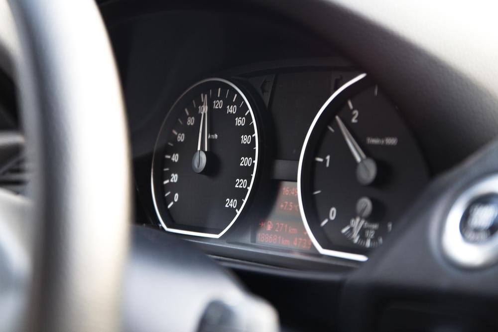 E87 Tacho BMW