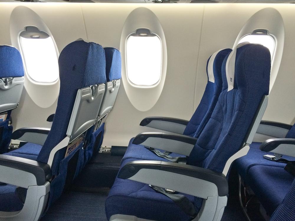 CRJ 900 SAS Sitzabstand