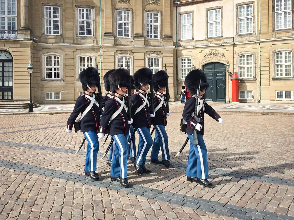 Schloss Amalienborg Kopenhagen Wachablöse
