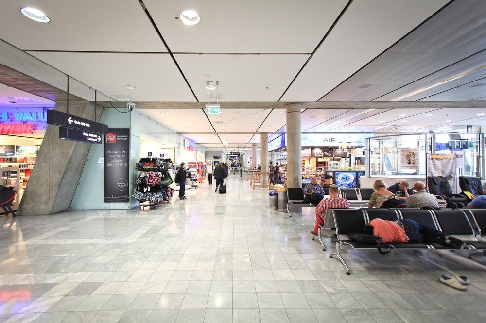 Hinflug Blue Air Bukarest Flughafen Stuttgart