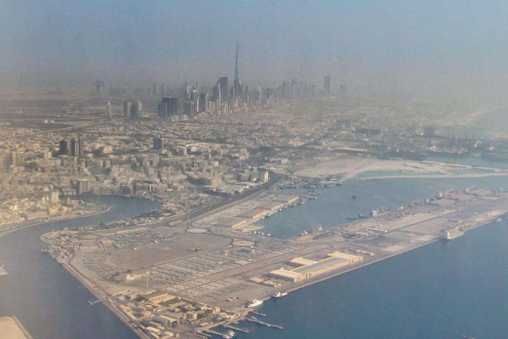 Skyline Dubai Emirates Flug Burj Khalifa