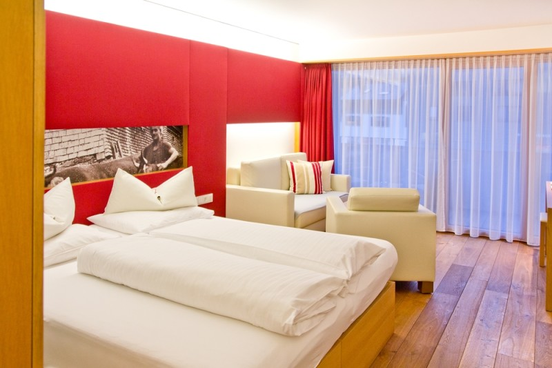 Hotel_Sonne_Lifestyle_Resort_Mellau_Vorarlberg_Wellness_Spa_Sauna_Pool_01