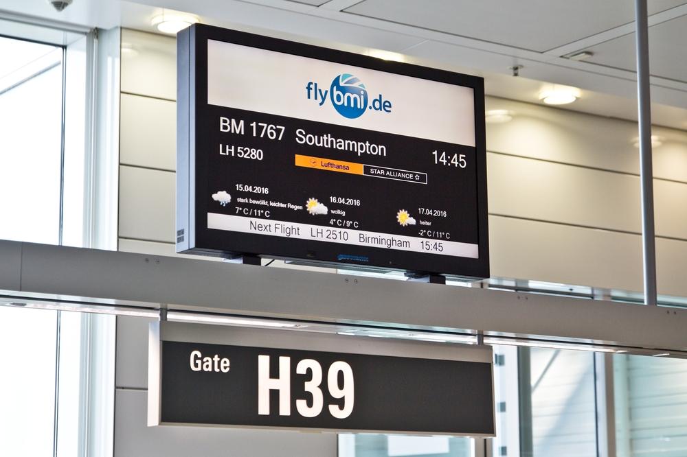 Flughafen München Airport bmi regional Southampton