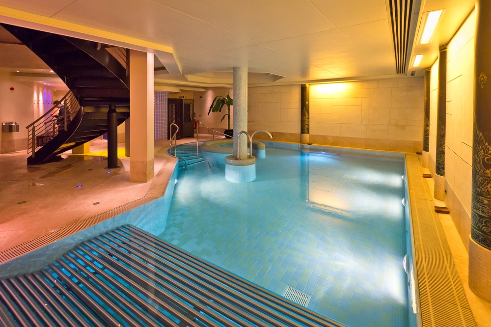 Spa Wellness Jacuzzi Careys Manor Hotel & SenSpa