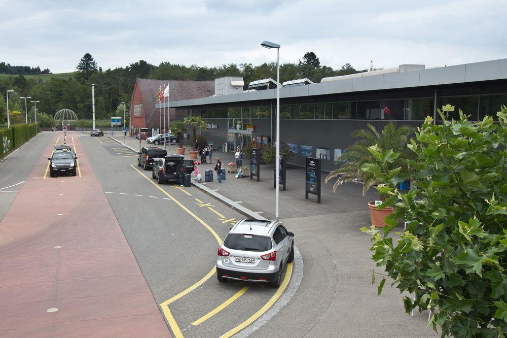 Eingang Flughafen Bern Belp Airport