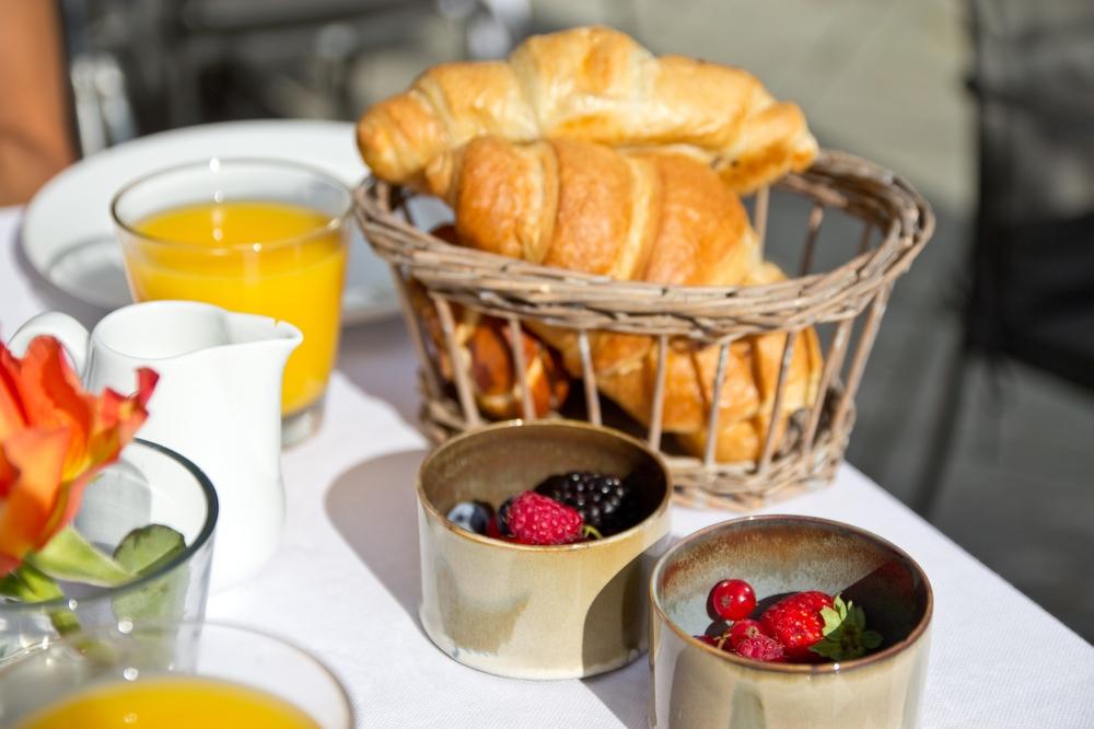 Pavillon Hotel Bachmair Weissach Frühstück