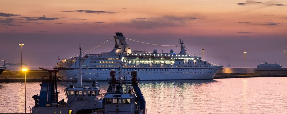 MS Astor Sonnenuntergang