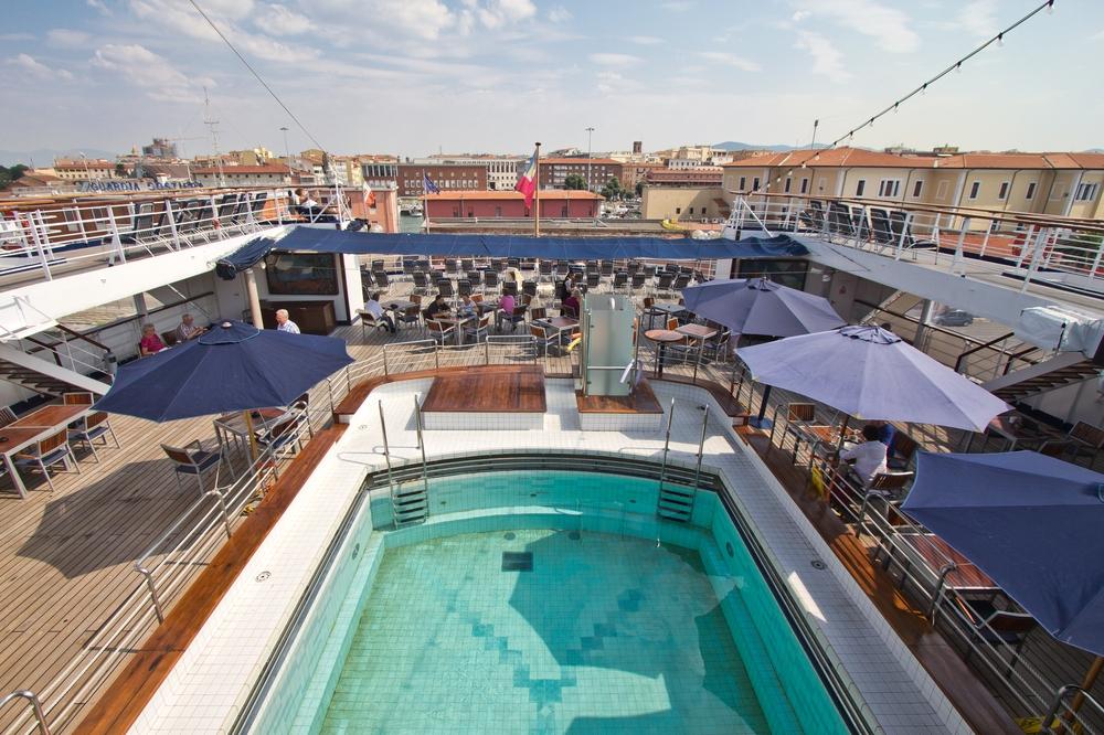 Pool MS Astor