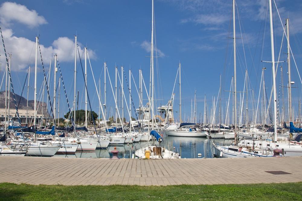 La Cala Yachthafen Palermo