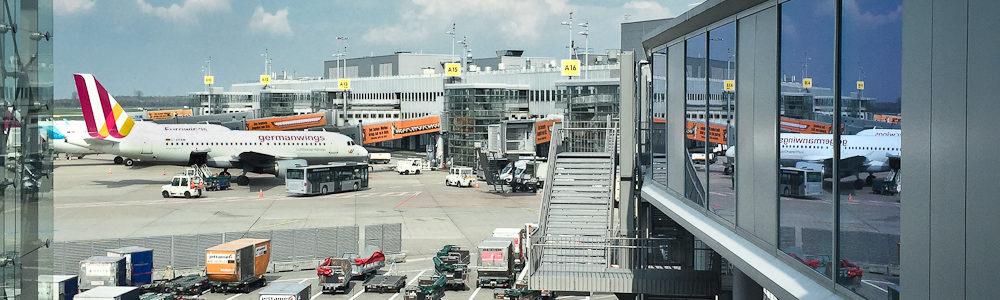 Vorfeld Flugzeuge Flughafen Düsseldorf