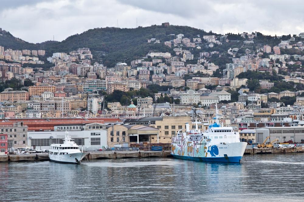 Moby Fähre Hafen Genua
