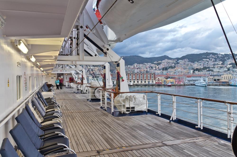 MS Astor Promenadedeck Genua