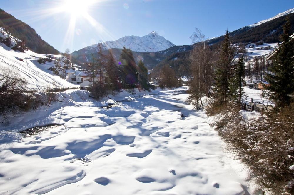 Ötztaler Ache Fluss Sölden Eis