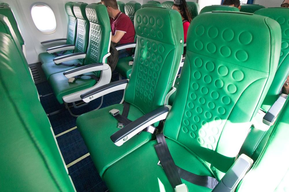 Transavia Boeing 737  Sitze Flugzeug Flughafen München