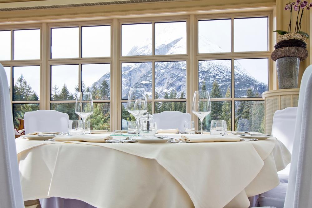 Interalpen-Hotel Tyrol Raum Speisesaal Restaurant
