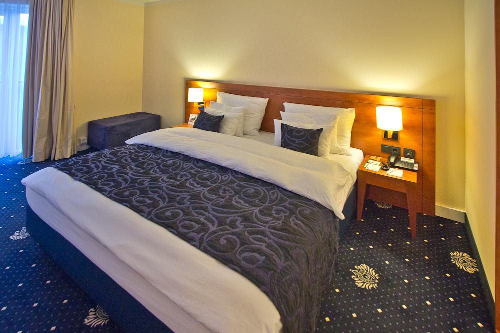 Bett Zimmer Hotel Vier Jahreszeiten Starnberg