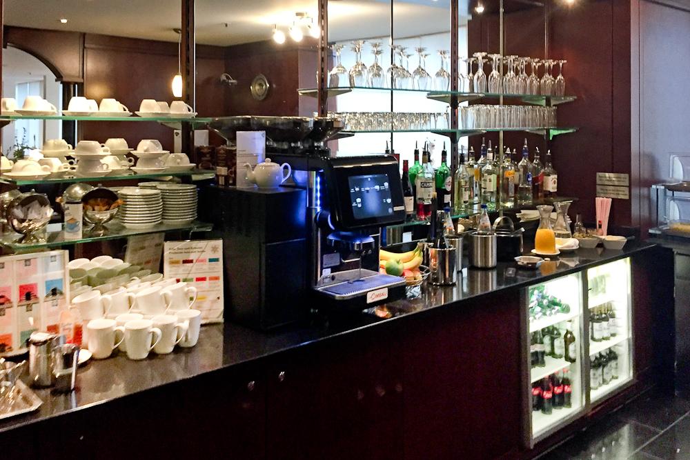 LuxxLounge Lounge Flughafen Frankfurt Airport Bar Getränke