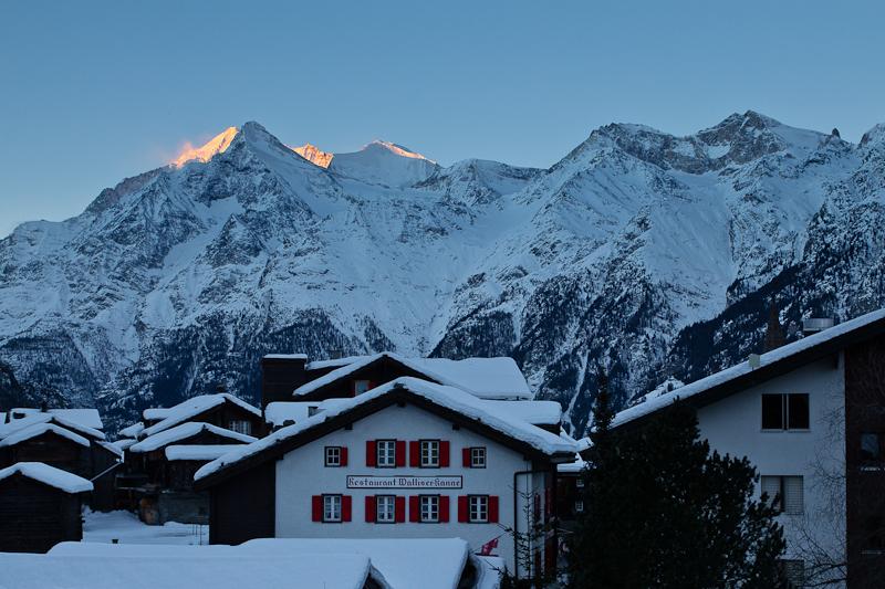 Wallis Schweiz Urlaub Skischuhwandern Snowbikw
