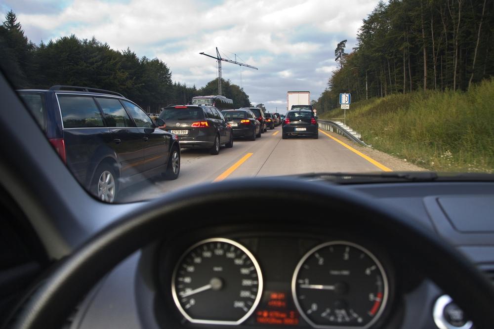 Pauschalreise Teneriffa Urlaub Stau Autobahn