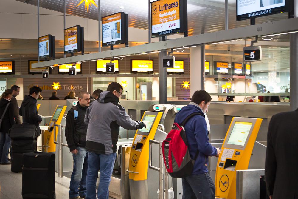 Reisebericht Oslo - Checkin Automaten am Flughafen München