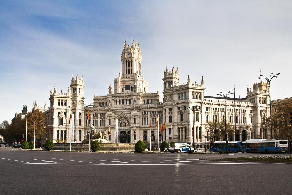 Palacio de Comunicaciones, Madrid, Plaza de Cibeles
