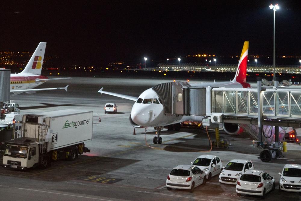 Iberia Neue Lackierung Terminal 4 Madrid Barajas