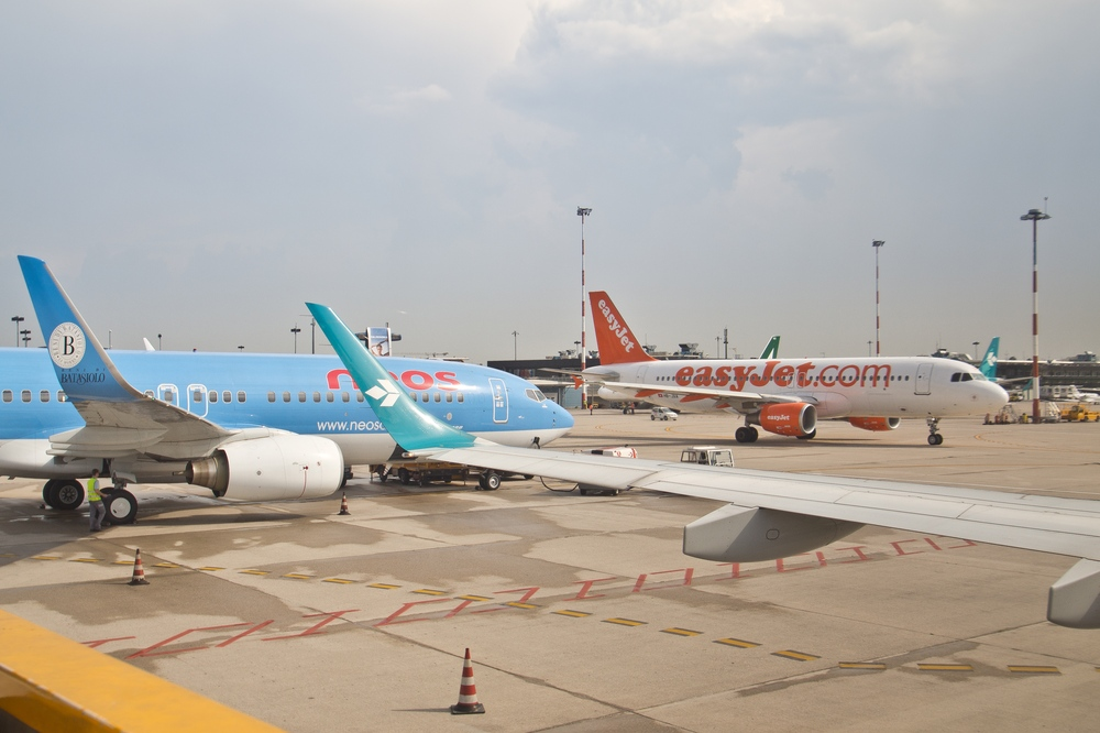 Verona Airport Neos easyjet