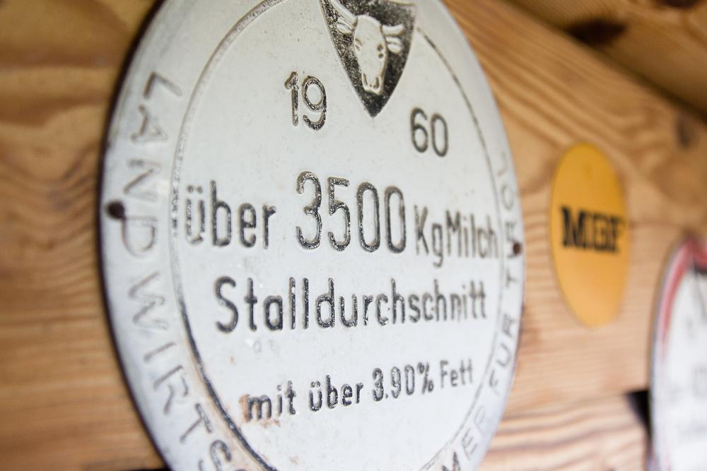 Plakette Milch Bauer