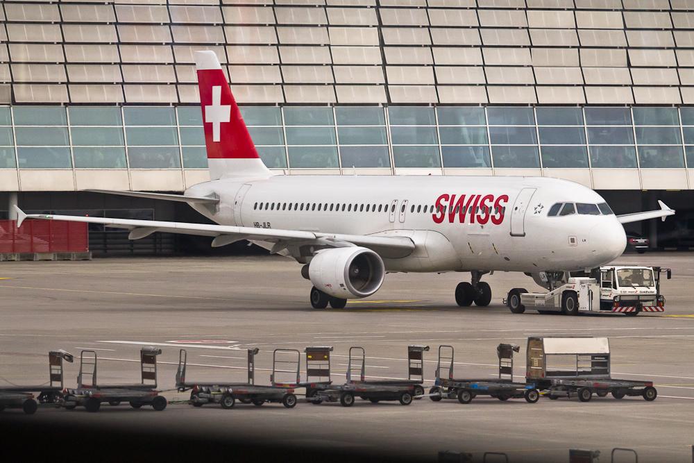 SWISS Flugzeug Flughafen Zürich