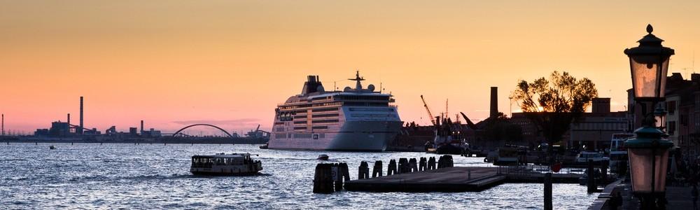 MS Europa 2 Venedig Sonnenuntergang
