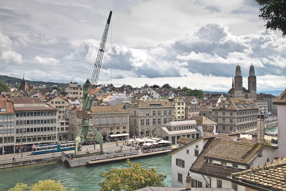 zurich transit maritim crane Hafenkran Lindenhof
