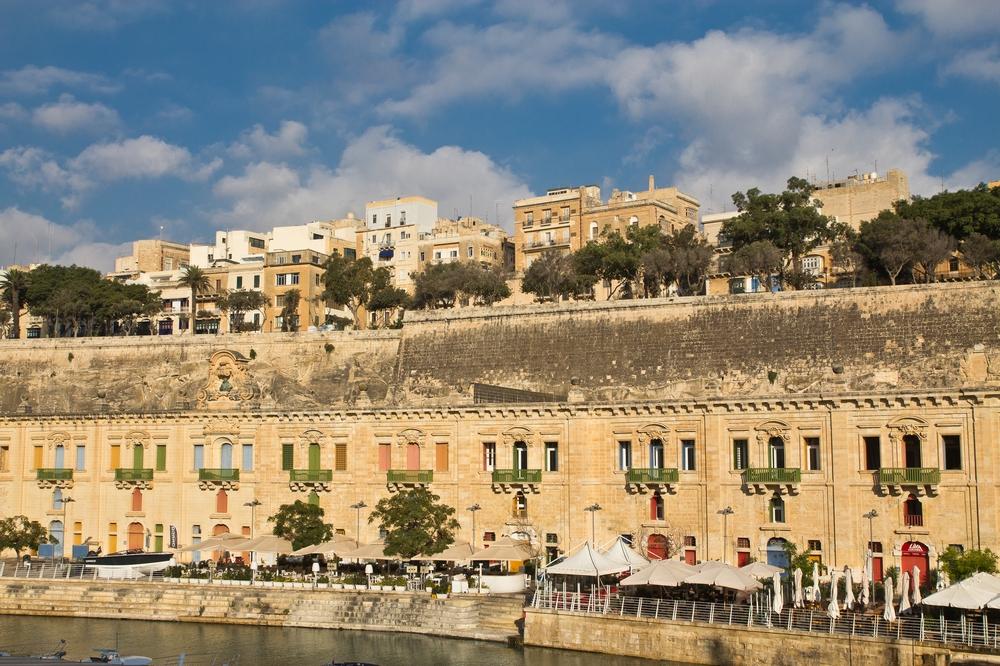 MS Europa 2 Kreuzfahrt Terminal Malta