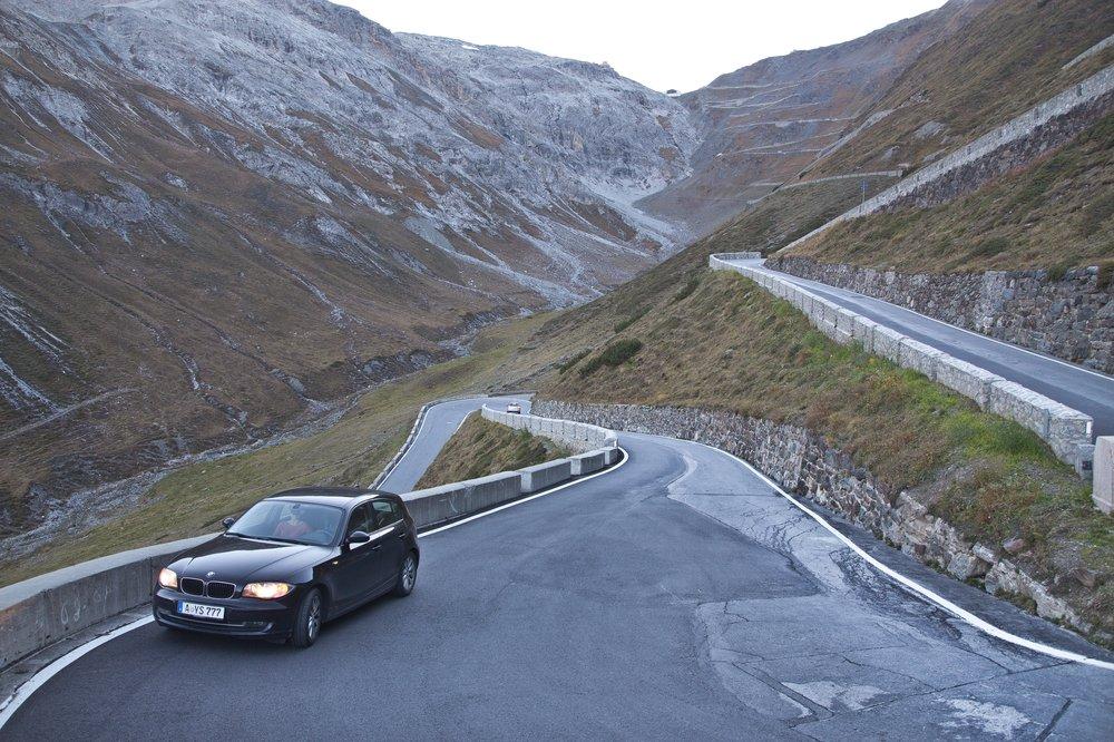 Stilfser Joch Ostrampe Auto Alpen