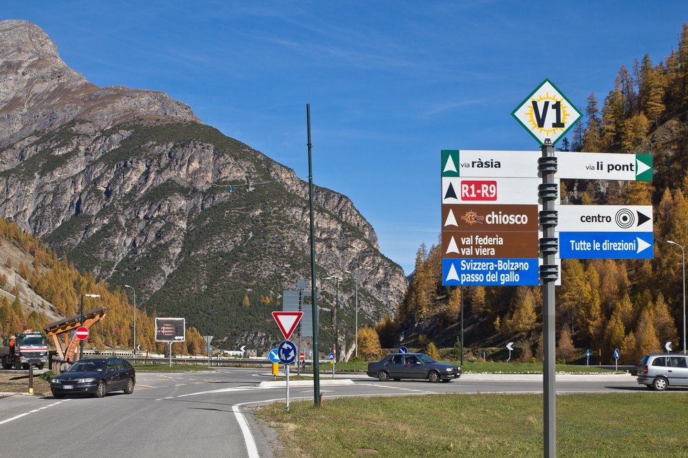 Livigno Ortschild Schweiz Lombardei