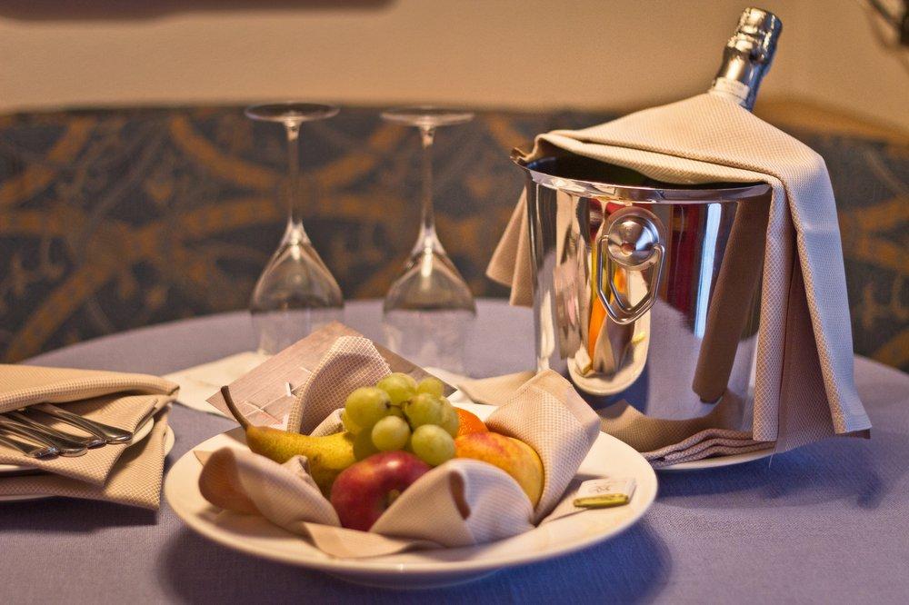 Livigno Champagner Hotel Obstkorb