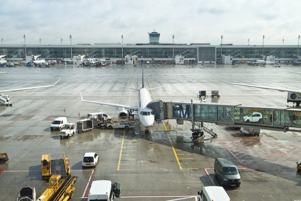Lufthansa CityLine Belgrad München Terminal 2