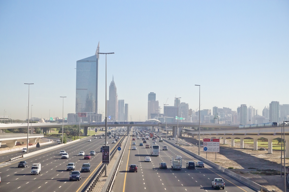 Sheik-Zahed Road Autobahn Dubai Brücke