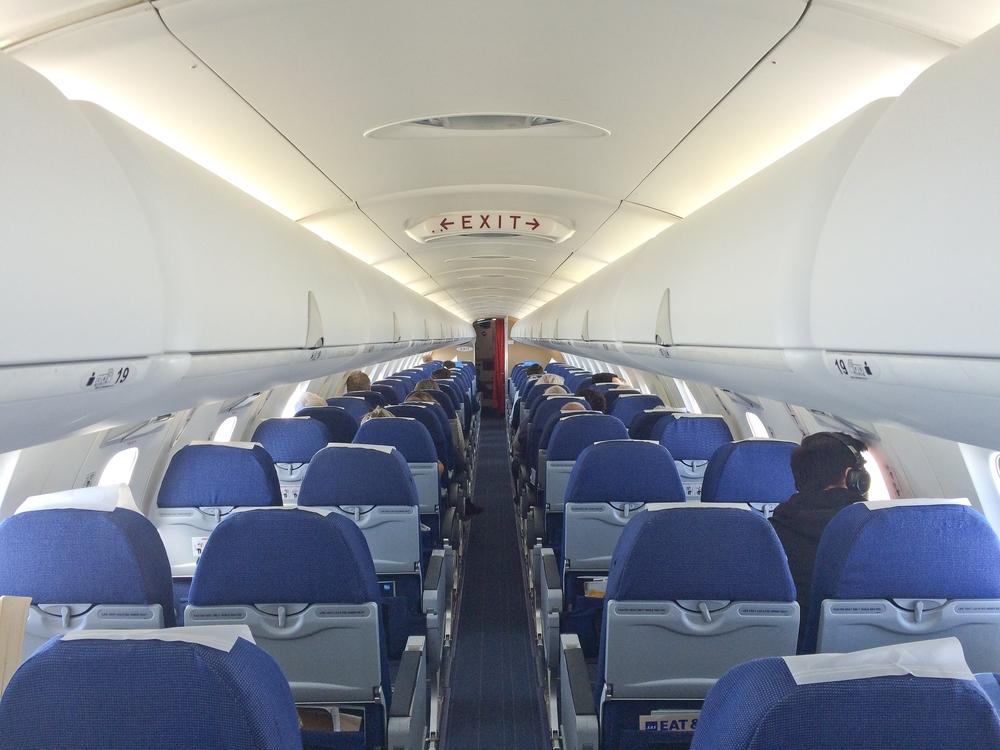CRJ 900 SAS Kabine