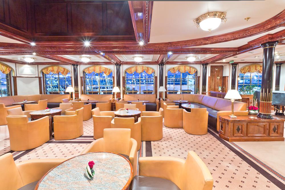 Sea Cloud II Lounge Lektor
