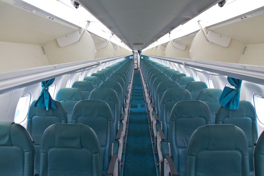 Air Dolomiti Kabine Embraer 195