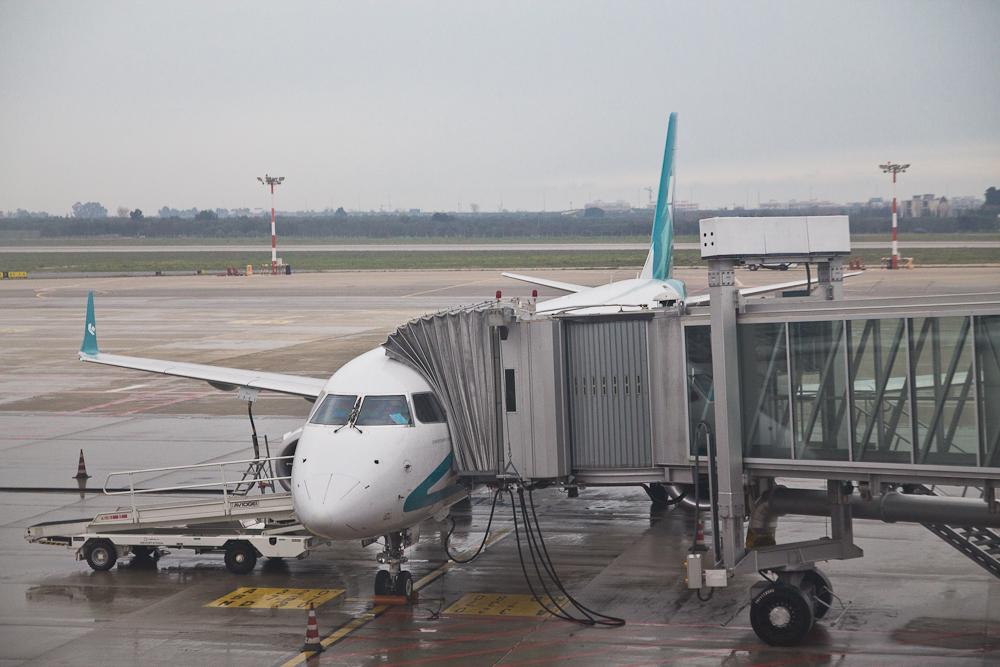 Air Dolomiti Flughafen Bari